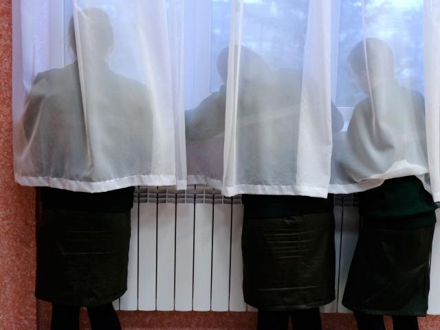 Наталья Никуленкова, «Захваченные тела», 2021. Видео 12', постер, перформанс, личные дневники, объекты