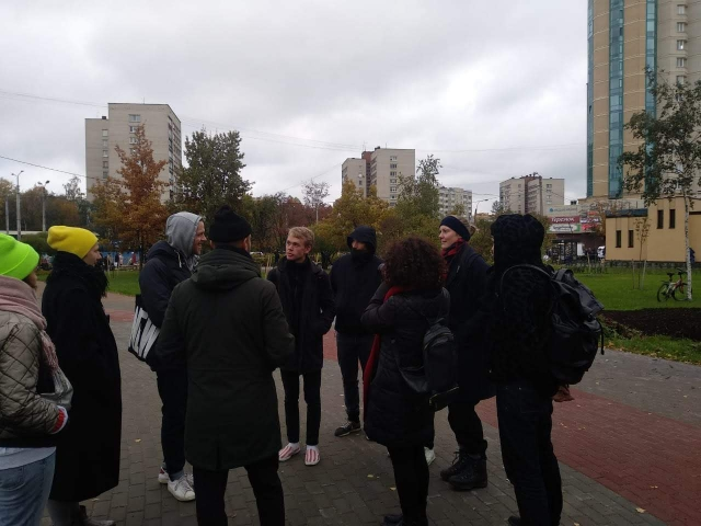 Guided tour with historian Alexander Semyonov about typical housing  of the Soviet era and romantic capitalist architecture of 2000s