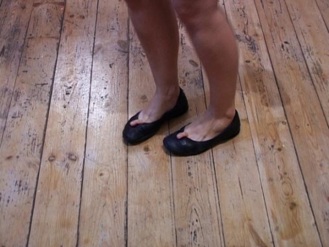 "Ruti Sela, ""Steps"", 2006, video"