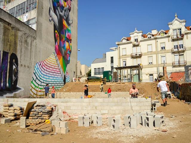 Colectivo Warehouse, создание публичного пространства в районе Марвила, Лиссабон, 2015